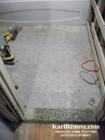 plancher de céramique d\'une salle de bain | KarlRenove